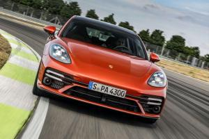 Picture of Porsche Panamera Turbo S