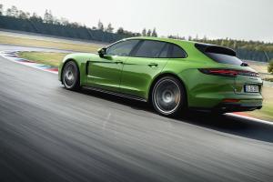 Picture of Porsche Panamera Sport Turismo GTS