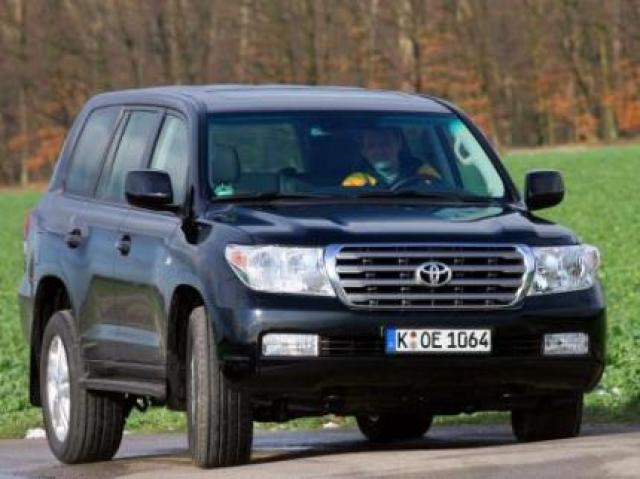 Toyota Land Cruiser V8 4D-4D laptimes, specs, performance data