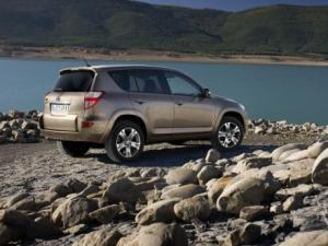 Photo of Toyota RAV4 Limited V6 4X4