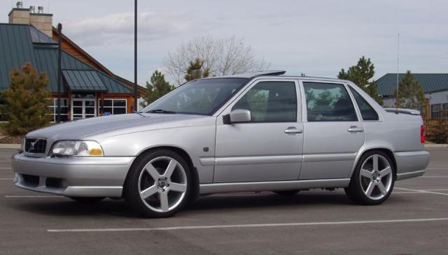 Volvo S70 T5 laptimes, specs, performance data - FastestLaps.com