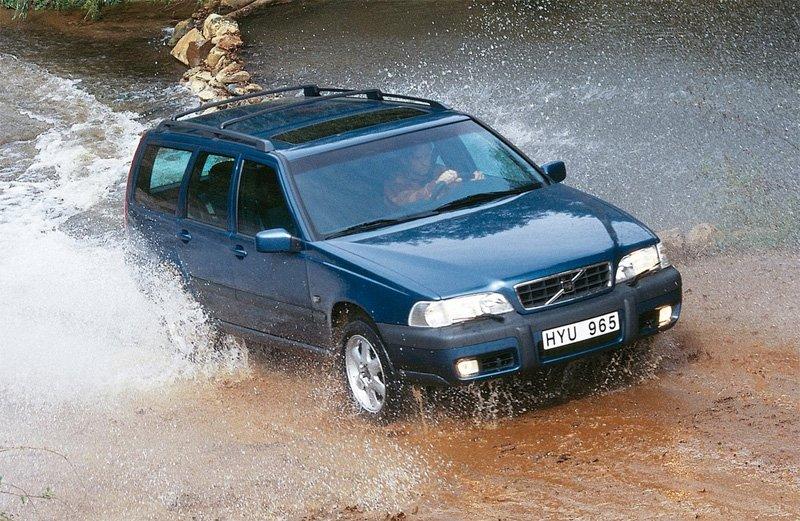 Volvo V70 Cross Country laptimes, specs, performance data