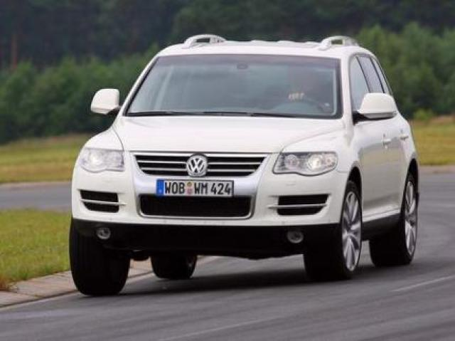 Fastest Stock Diesel Truck >> VW Touareg V10 TDI laptimes, specs, performance data ...